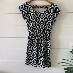 Aztec print Black and White Dress Juniors Small
